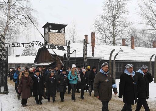 ホロコーストの責任、ナチスではなく「ヒトラーのドイツに」 ポーランド首相