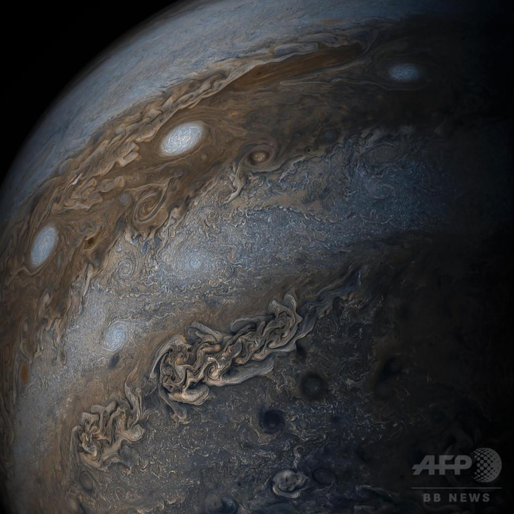 木星の色が鮮明に NASAが画像を公開
