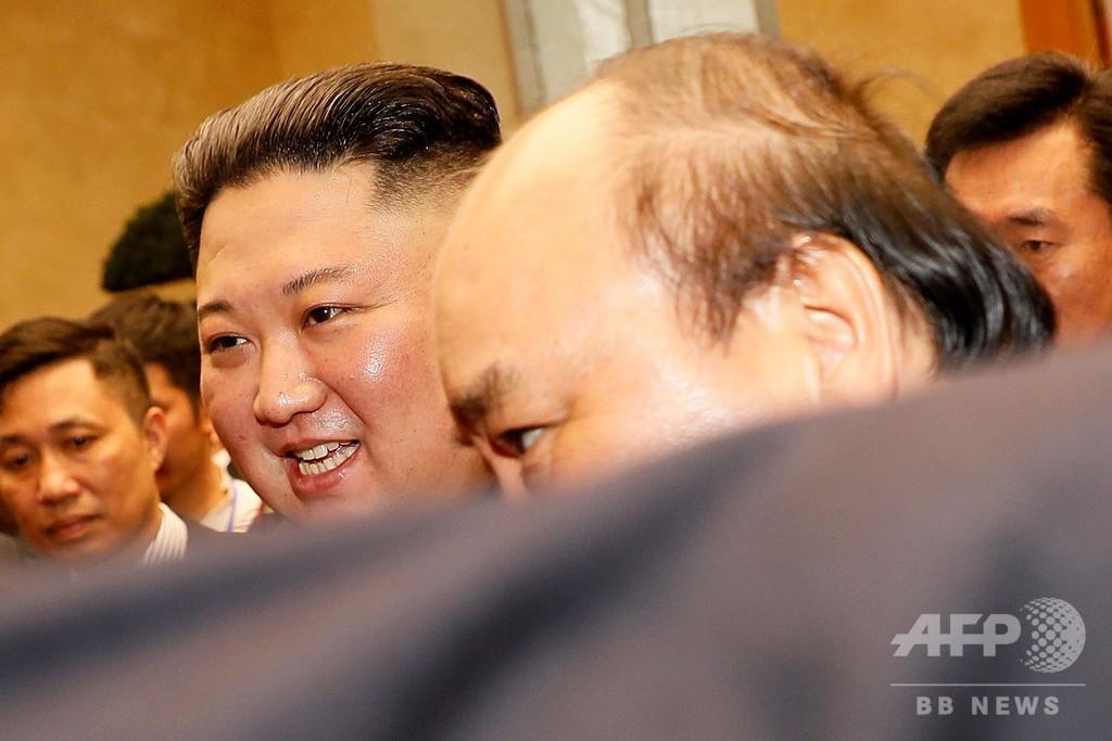 米朝会談終えた金正恩氏、ベトナムを公式訪問