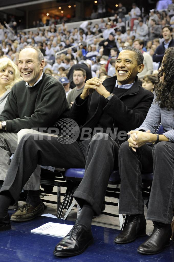 オバマ米大統領、ユーチューブに生出演 ユーザーの質問に回答