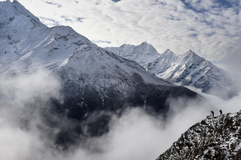 エベレストの単独登山を禁止、安全対策で規制改定 ネパール