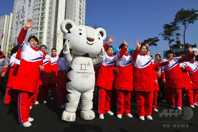 北朝鮮選手団、五輪仕様の最新スマホ受け取り拒否