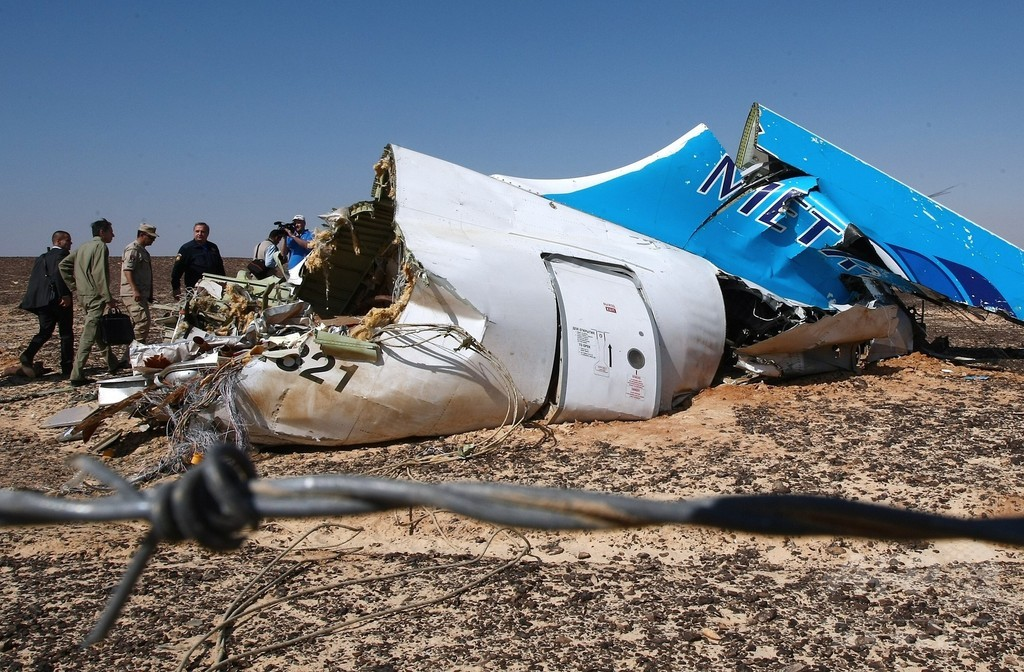 露機墜落は「テロ」、報復誓うプーチン大統領 シリア空爆強化も