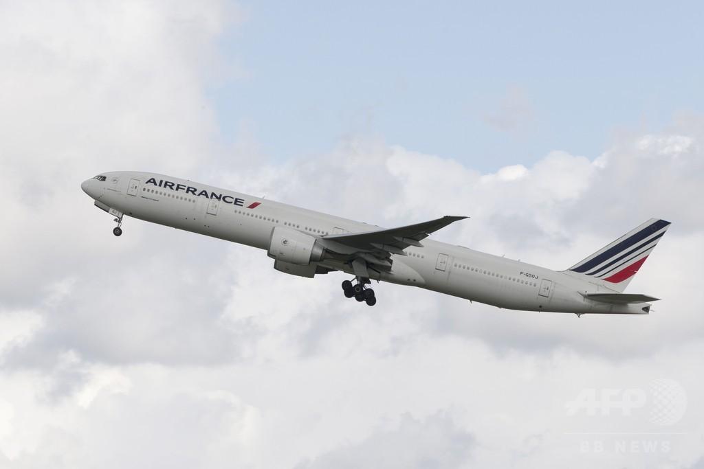 エールフランスの一部乗務員、エボラ発生国へのフライトを拒否