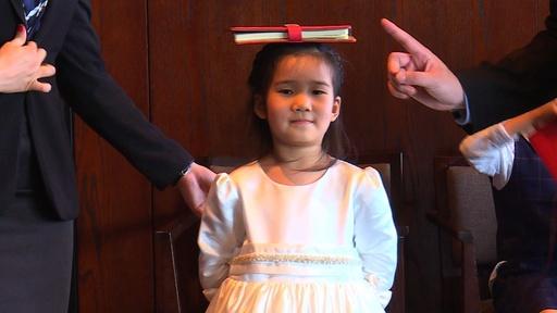 動画:過酷な競争を生き抜くため、子どもをマナー教室に通わせるエリート 中国