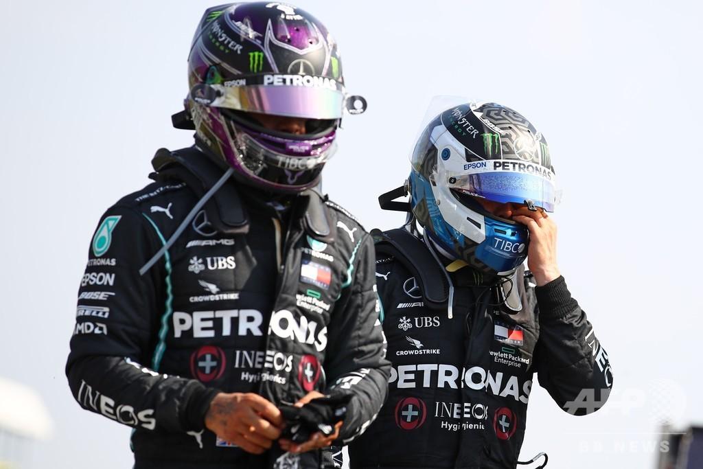 ボッタス、暑すぎる黒のレーシングスーツに不満あらわ