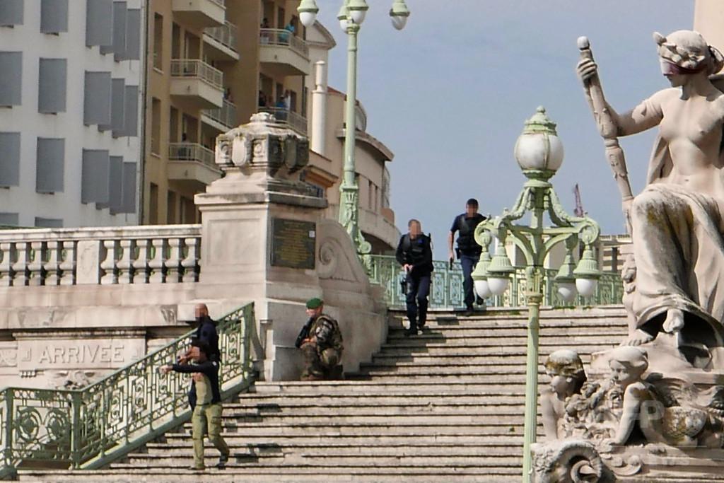 仏マルセイユの駅で刃物男が女性2人を殺害、ISが犯行声明