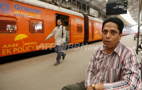 混雑で1日平均12人が死亡、ムンバイの通勤列車