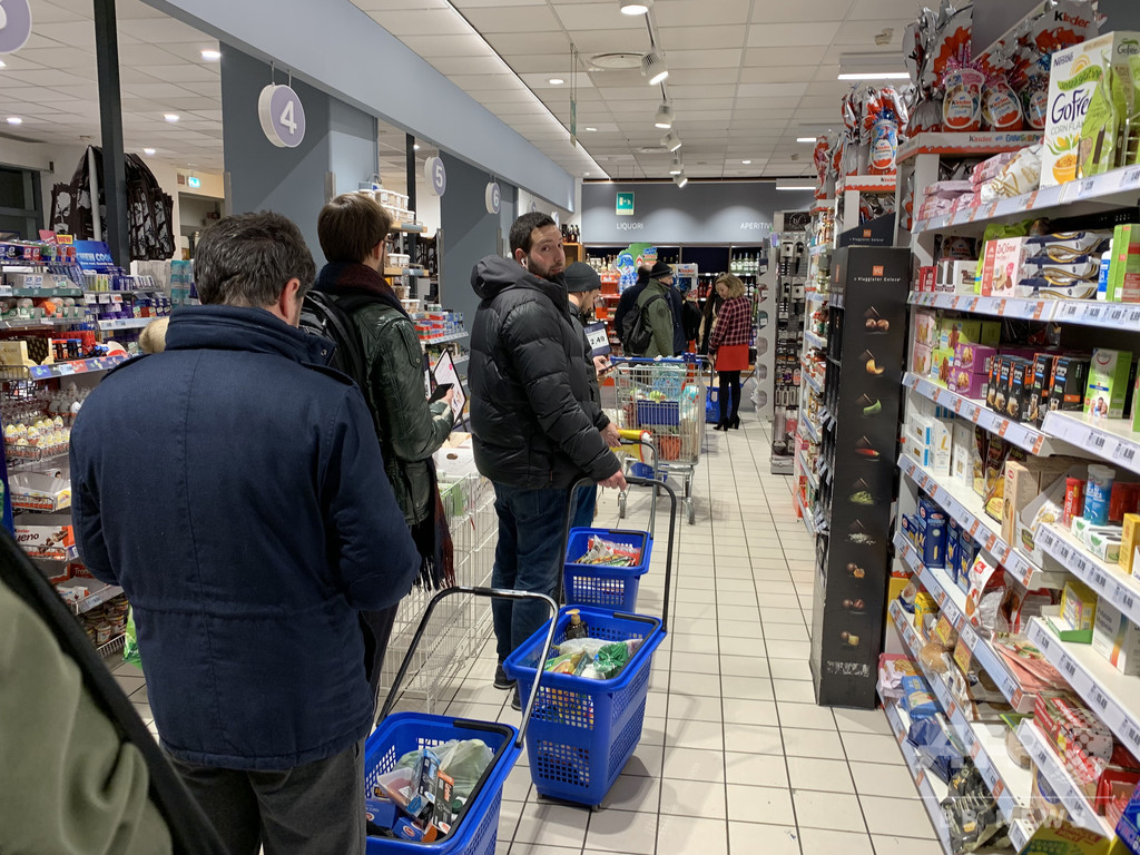 イタリア、ミラノやベネチアなど北部の広範囲を封鎖 新型コロナ