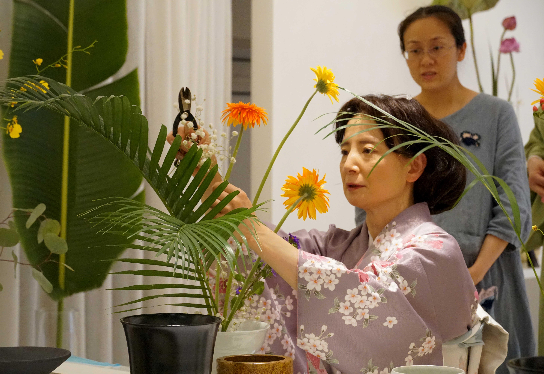 中国の華道愛好家が日本の池坊を体験 福建省アモイ市
