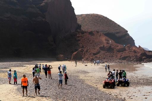 モロッコ人気の観光スポット、岩のアーチが崩落