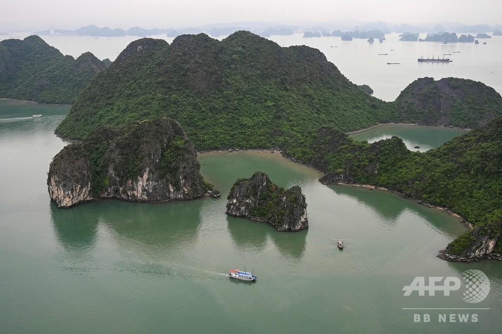 世界遺産ハロン湾でヘリコプターツアー開始、空から楽しむ絶景 ベトナム