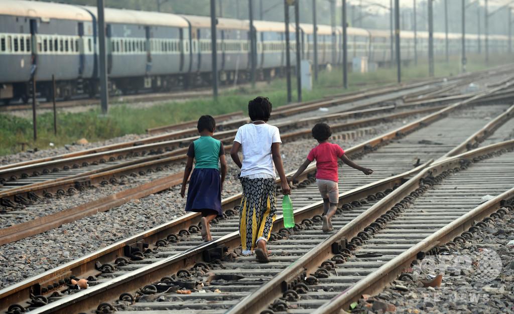 カースト最下層の子ども2人、路上で排便し撲殺される インド