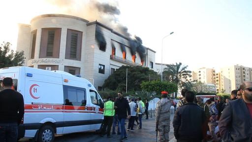 動画:リビア外務省襲撃、ISが犯行声明