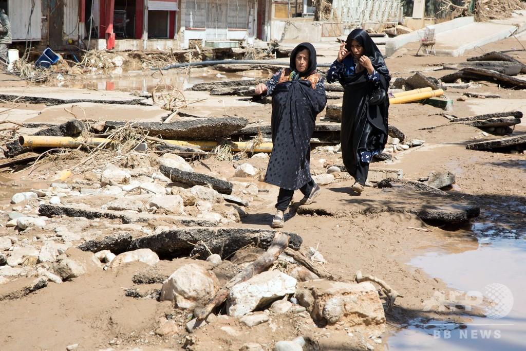 イラン洪水の死者70人に、ほぼ全国規模で被害