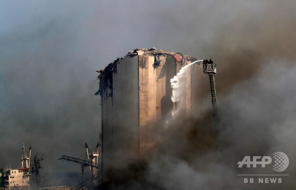 レバノン首都の火災、鎮火するも国民の怒り再燃