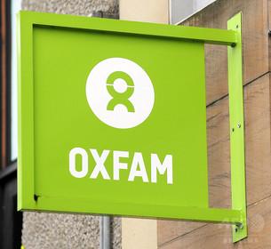英政府、オックスファムの児童買春スキャンダルで関係見直しも