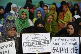 インド最高裁、夫が3語唱えれば離婚可のイスラム慣習を禁止に
