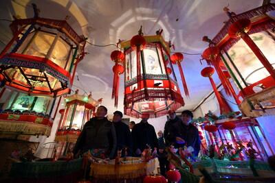 「走馬灯」制作で新年を迎える 山東省臨沂市