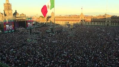 動画:メキシコ新大統領就任、左派ロペスオブラドール氏 貧困・汚職対策など掲げる