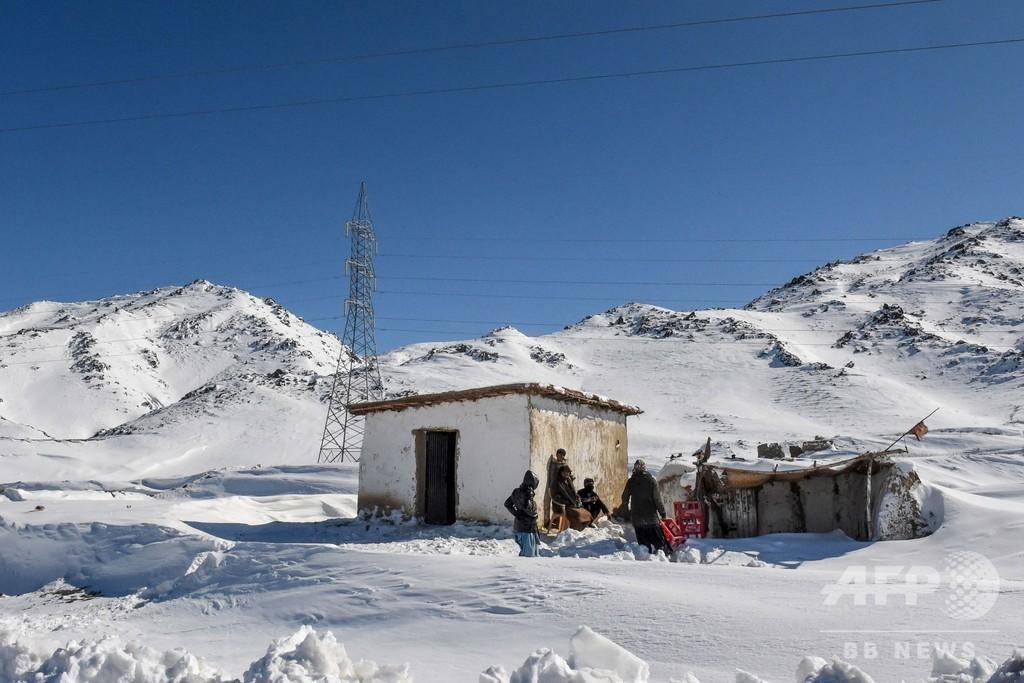 パキスタンとアフガニスタンで天気大荒れ、雪崩などで死者130人超