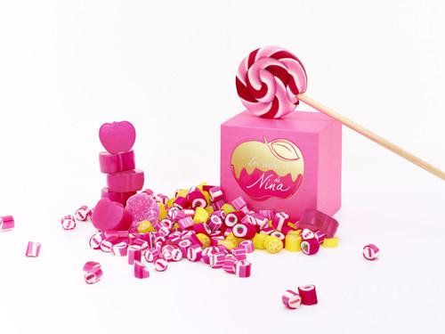 キャンディ専門店とコラボ、「ニナ リッチ」新作フレグランス発売に