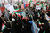 テヘランで反政府デモと機動隊が衝突、イラン