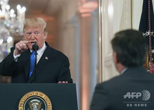 「無礼」「国民の敵」トランプ氏、CNN記者と口論 ホワイトハウス出禁に