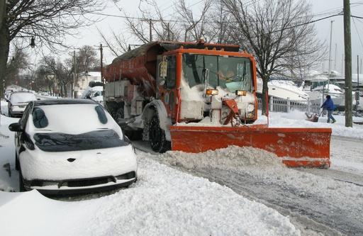 米国で記録的寒波、「5分で凍傷」の恐れも