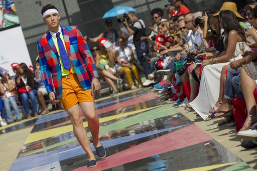鮮やかなメンズスタイルに注目、ドミニカでファッションウィーク