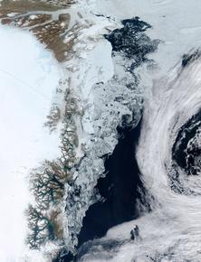 氷河融解縮小、観測史上最低水準に 研究