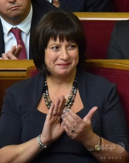 ウクライナ新内閣、主要ポストに外国人起用