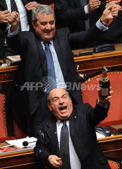 イタリアのプローディ首相、上院...