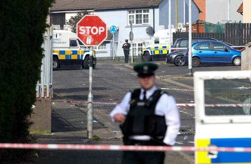 北アイルランドで暴動、女性1人が撃たれ死亡 イースター控え緊張高まる
