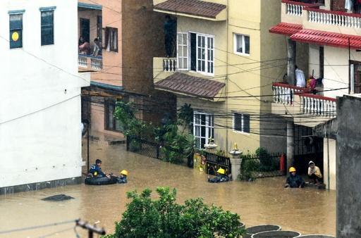 南アジアでモンスーンの大雨、2日間で洪水と土砂災害の死者40人に