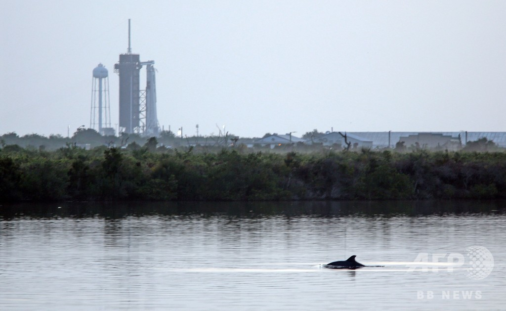 スペースX、有人宇宙船を打ち上げ 民間で初