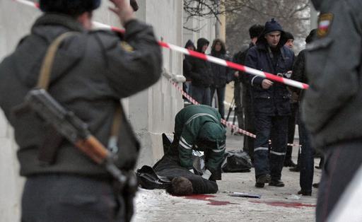 チェチェン少女殺人事件の弁護士と反体制派記者、白昼のモスクワで射殺される