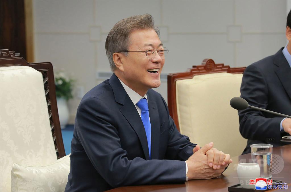 韓国・文大統領の支持率、過去最高の78.3%に 南北会談を評価