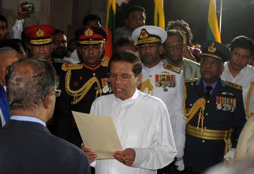 スリランカ新大統領が就任、国際社会との関係回復を誓う