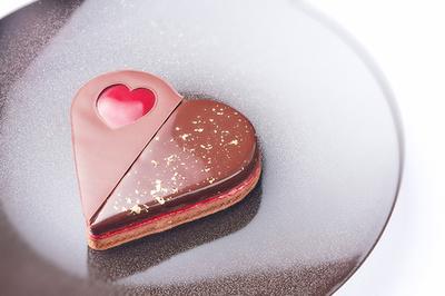 「ベージュ アラン・デュカス 東京」一日限りのバレンタイン特別メニュー