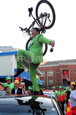 中国の富豪、反日デモで日本車壊された43人に新車贈呈