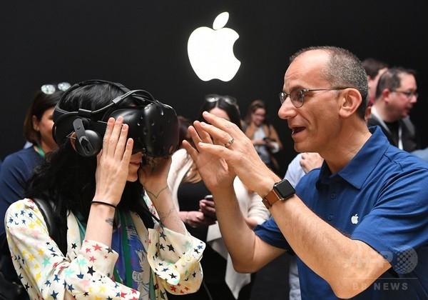 米アップル、シリ搭載スピーカー「ホームポッド」を発表