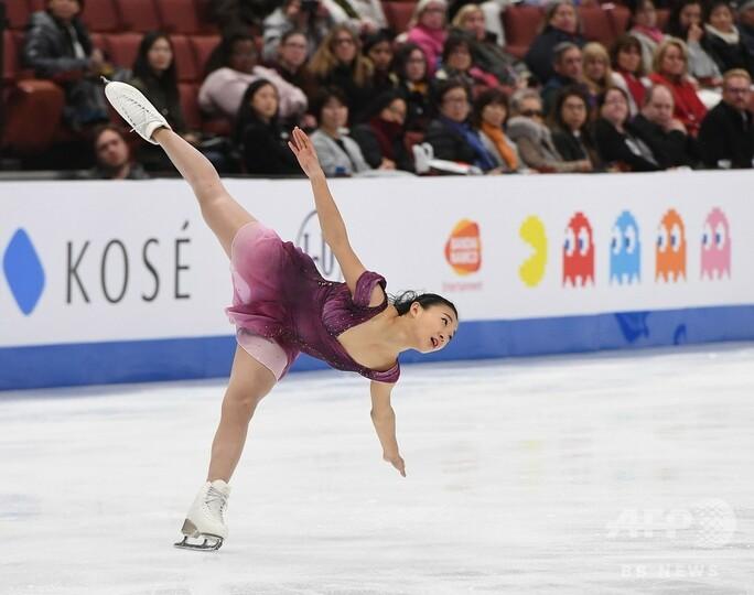 女王坂本が2位発進、女子SP首位はテネル 四大陸選手権