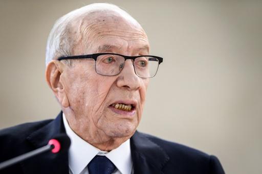 チュニジア大統領、病院に搬送 首都では連続自爆攻撃