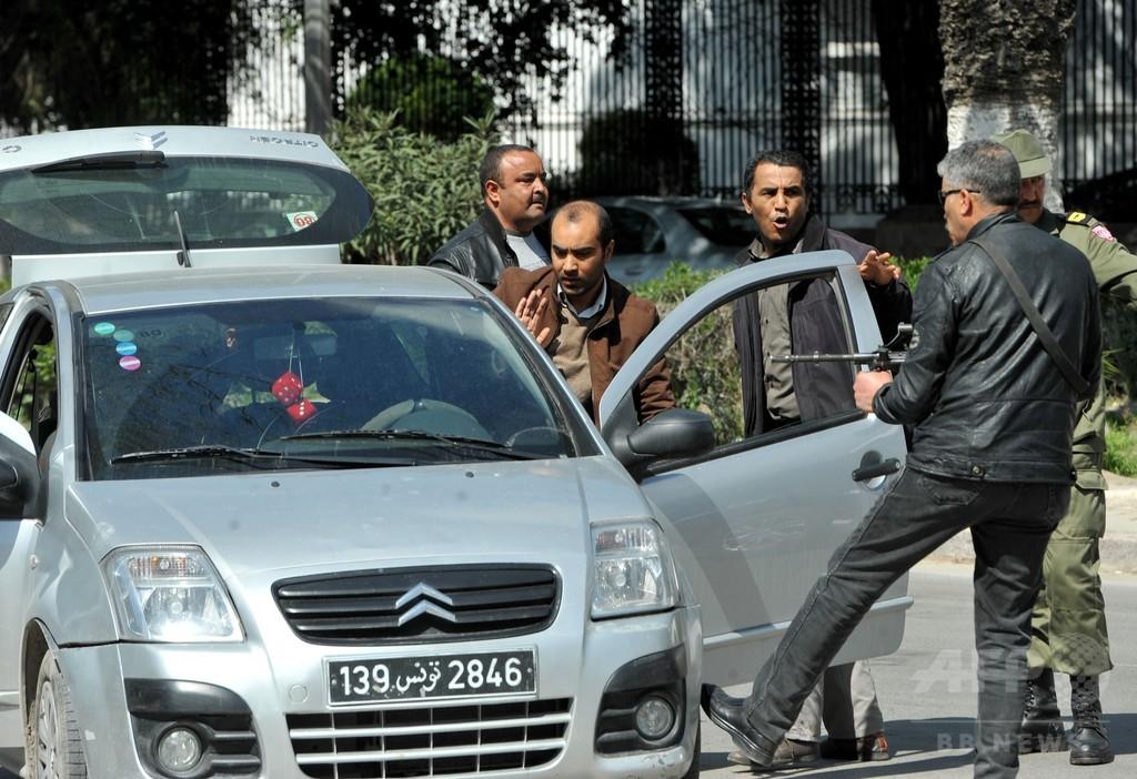 チュニジアで博物館襲撃、シド首相「日本人5人含む19人死亡」