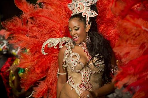 ウルグアイ最大のパレード、2夜にわたり開催
