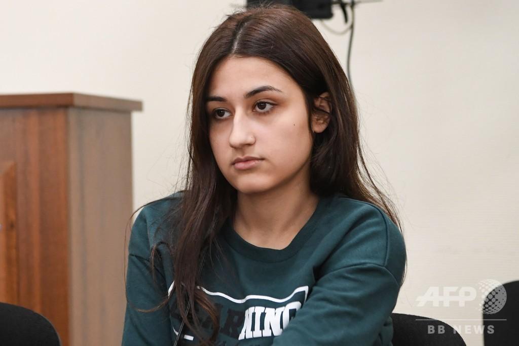 性的暴行やDVに及んだ父親を刺殺、ロシア人姉妹を殺人罪で起訴へ