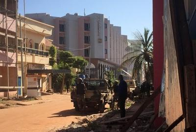 マリのホテル立てこもり、少なくとも人質3人死亡 治安省