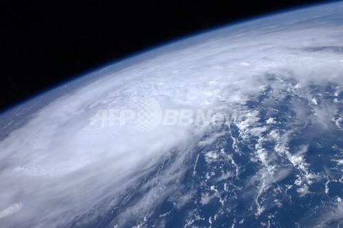 レゴ人形、宇宙へ カナダ高校生が宇宙船自作