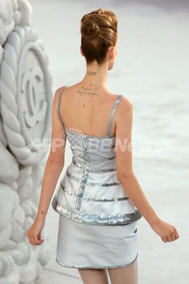 <08年春夏パリ・オートクチュールコレクション>シャネル、新作を発表